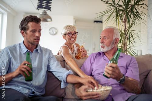 Poster Peche Family watching tv