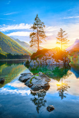 Fototapeta Krajobraz Fantastic autumn sunset of Hintersee lake