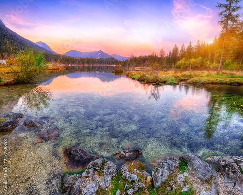 Foto op Plexiglas Purper Fantastic autumn sunset of Hintersee lake