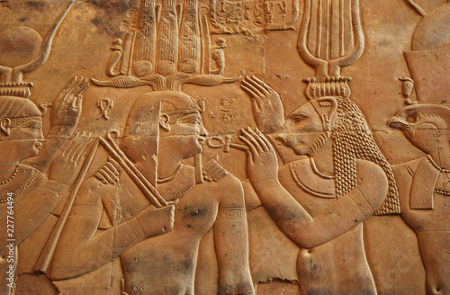 hieroglyphs-in-kom-ombo-temple-egypt