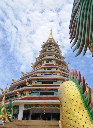 Fotobehang Bedehuis multi layer temple and dragon