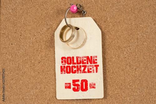 Zwei Eheringe Und Ein Schild Goldene Hochzeit Buy This