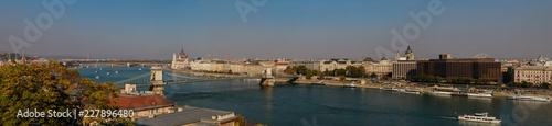 Foto op Aluminium Palermo City view of Budapest, Hungary, Eastern Europe. The Parliament building, the Chain Bridge over the River Danube and colorful buildings of the old town.