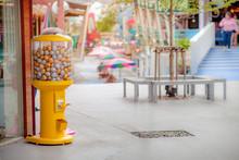 Capsule Toys Vending Machine (...