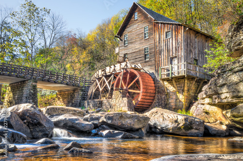 Babcock State Park Old Grist Mill in West Virginia autumn abandoned with river Canvas-taulu
