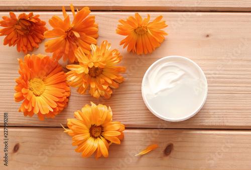 Photo  Ointment marigold ,fresh calendula flowers