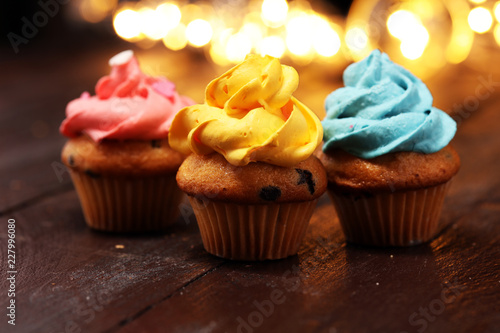 Photo  Tasty cupcakes on christmas winter background