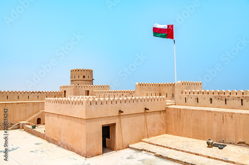 Poster Vestingwerk Sunaysilah Fort in Sur, Oman. It is located about 150 km southeast of the Omani capital Muscat.