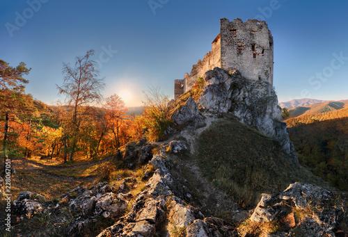 Keuken foto achterwand Historisch geb. Beautiful Slovakia landscape at autumn with Uhrovec castle ruins at sunset