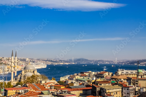 Slika na platnu Istanbul, Turkey, November 10, 2010: Aerial view of the Bosphorus, taken from the roof of the Buyuk Valide Han