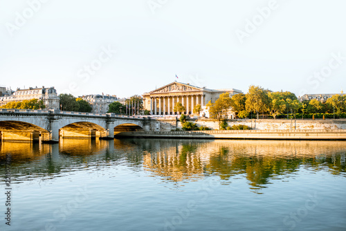 Keuken foto achterwand Historisch geb. Landscape view of Concordia Bridge with National Assembly of France in Paris