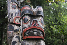 First Nations Totem Poles In V...