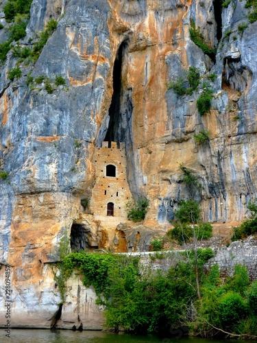 Fotografie, Obraz  Tour dans la roche à Saint-Cirq-Lapopie