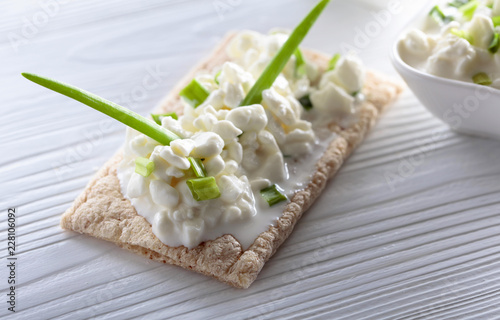 Cottage cheese with green onions.