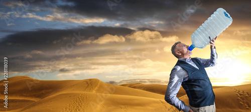 manager assetato nel deserto al tramonto Canvas