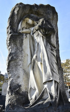 Cimetière De Grenelle / Tombe De Marius Rémondot / Paris XV