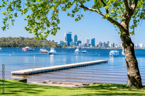 Photo  Matilda Bay and the Swan River at Crawley, Perth, Western Australia, Australia
