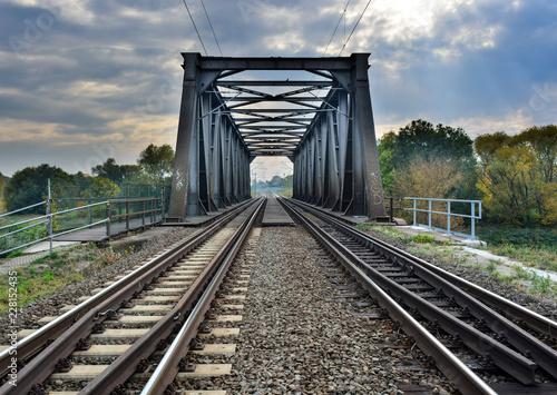 Brücke mit Gleisen