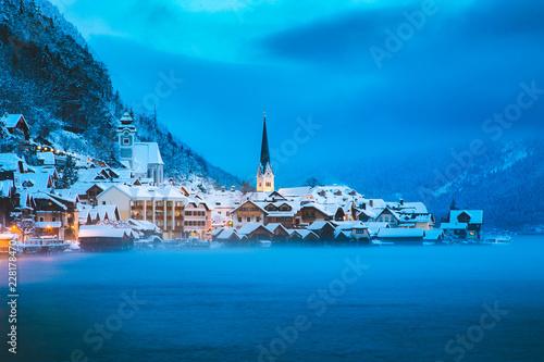 Fotobehang Centraal Europa Twilight view of Hallstatt in winter, Salzkammergut, Austria