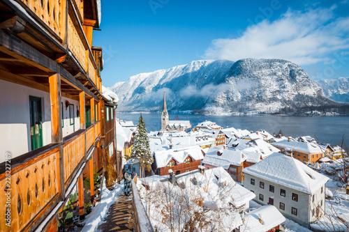 Fotobehang Centraal Europa Hallstatt village in winter, Salzkammergut, Austria