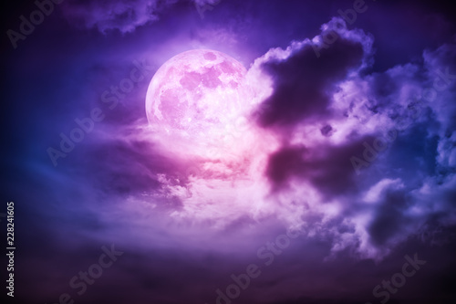 Poster Prune Nighttime sky with clouds and bright full moon with shiny.