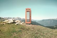 Cabine Téléphonique De Londres En Montagne