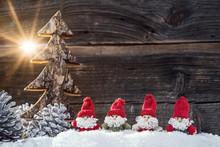 Vier Weihnachtsmänner In Der ...
