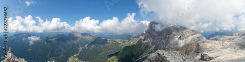 Foto auf AluDibond Rosa dunkel Montagne viste dall'alto
