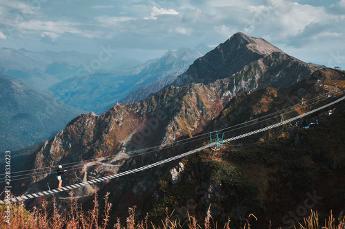 Fotografía  Beautiful mountain landscape with blue coudy sky