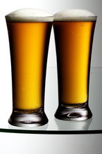 TWO BEERS - LAGERS