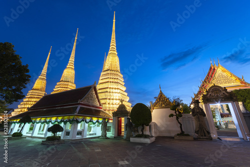 In de dag Bangkok The view inside Wat Pho in Bangkok, Thialand.