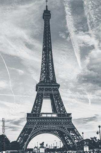 Fototapety, obrazy: Eiffel Tower in Paris