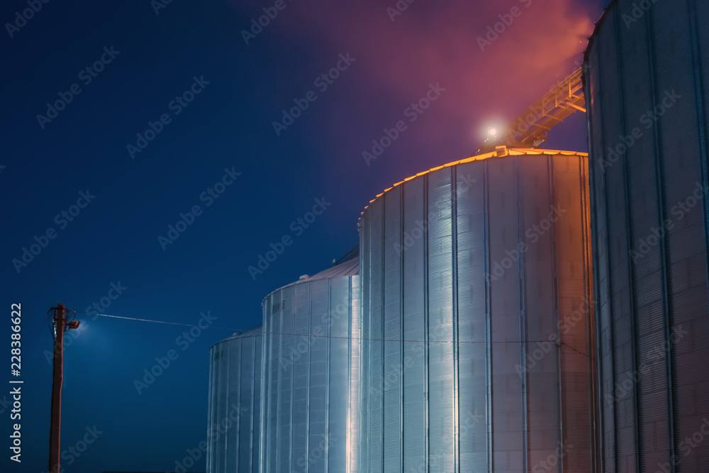 Fototapety, obrazy: Elevator at night sometimes performs work on receiving, cleaning, drying and storing grain