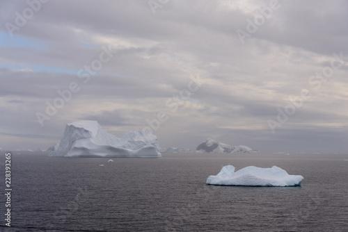 Deurstickers Antarctica Antarctic seascape with iceberg