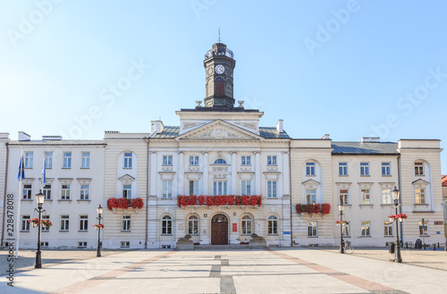 lock on Vistula river - Town Hall and old town Market Square Fototapet