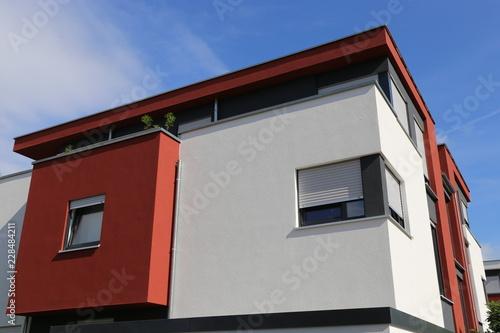 Wohnhaus mit neuem Fassadenanstrich