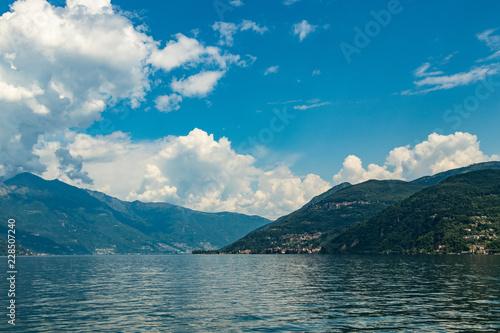 Fotografie, Obraz  Blick auf den Lago Maggiore von Luino