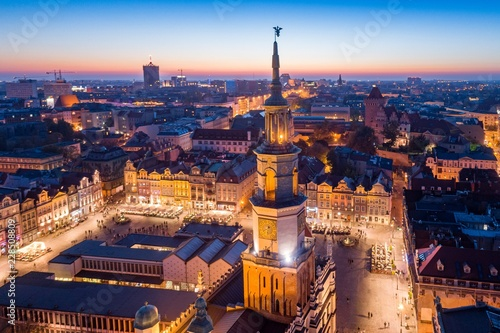 Spoed Fotobehang Europa Evening aerial view on Poznan main square and old town.