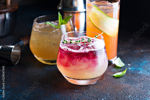 Fotografía  Variety of seasonal cocktails