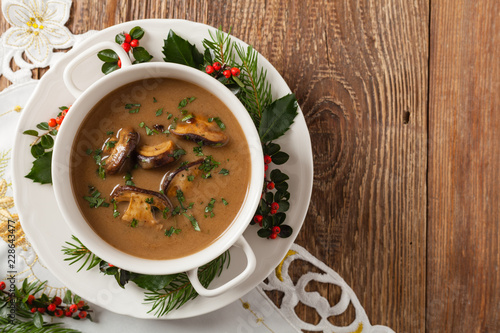 Valokuvatapetti Traditional mushroom soup, made from porcini mushrooms