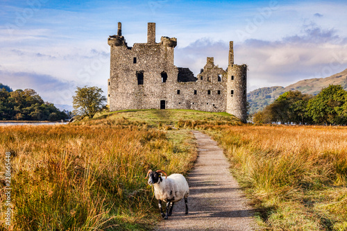 Photo Kilchurn Castle, Loch Awe, Argyll and Bute, Scotland, UK.