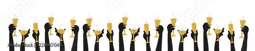 Fotografering Hände halten Gläser nach oben - Party anstossen