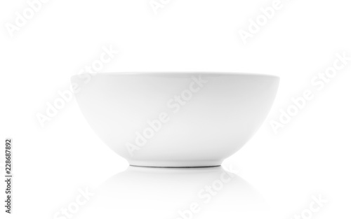 Photo  white ceramic bowl or deep dish isolated on white background