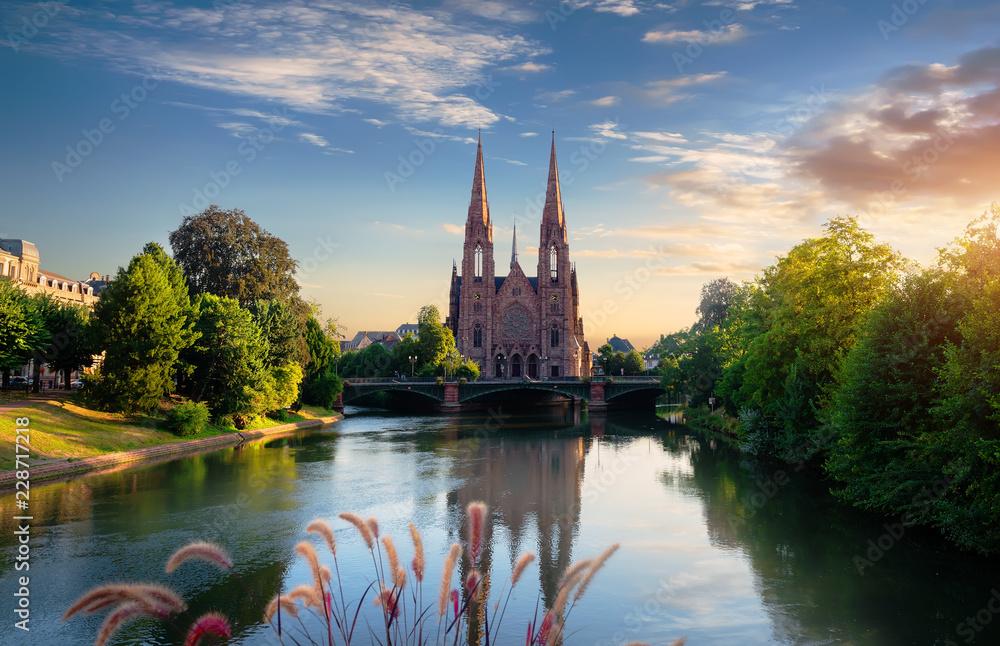 Fototapety, obrazy: Church in Strasbourg