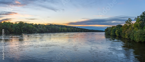 Photo sur Aluminium Riviere Panoramic Sunrise on the Delaware