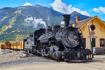Ugljen stari vlak iz 1800. g. U planinama