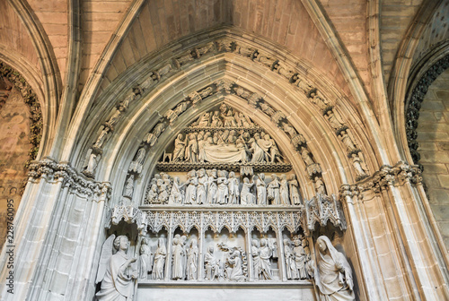 Puerta Preciosa de la catedral de Pamplona, Navarra, España