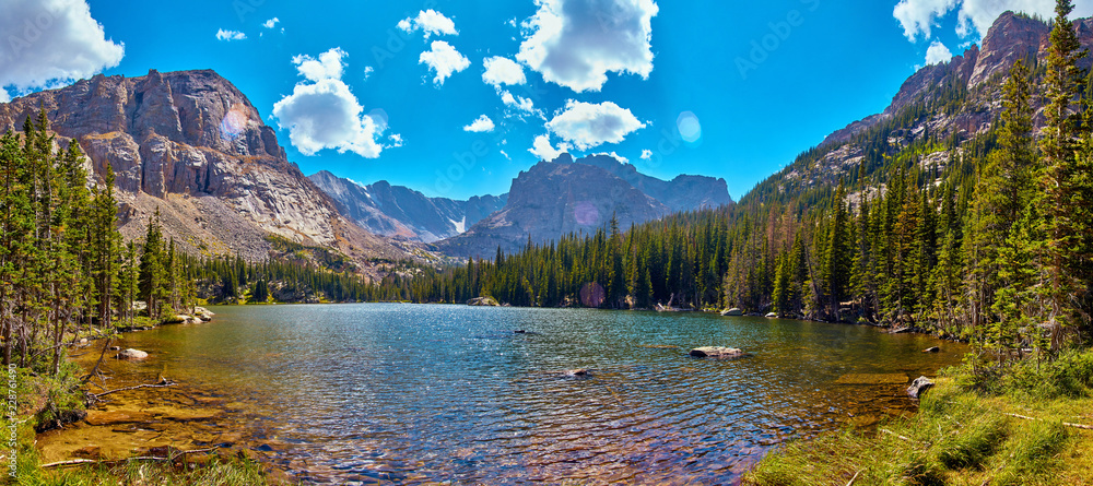 Fototapety, obrazy: Photographer in Rocky Mountains The Noch lake with mountains panorama