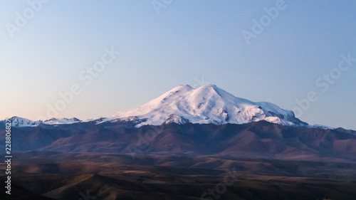 Deurstickers Asia land view of Mount Elbrus from Bermamyt Plateau at dawn