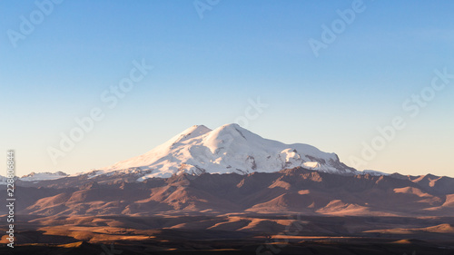 Deurstickers Asia land Mount Elbrus from Bermamyt Plateau at sunrise